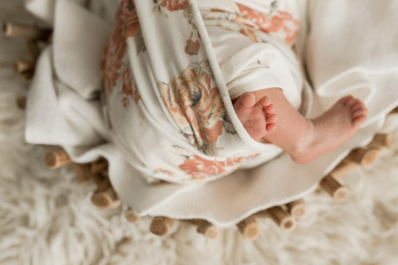 photographe bébé nouveau né pieds à domicile