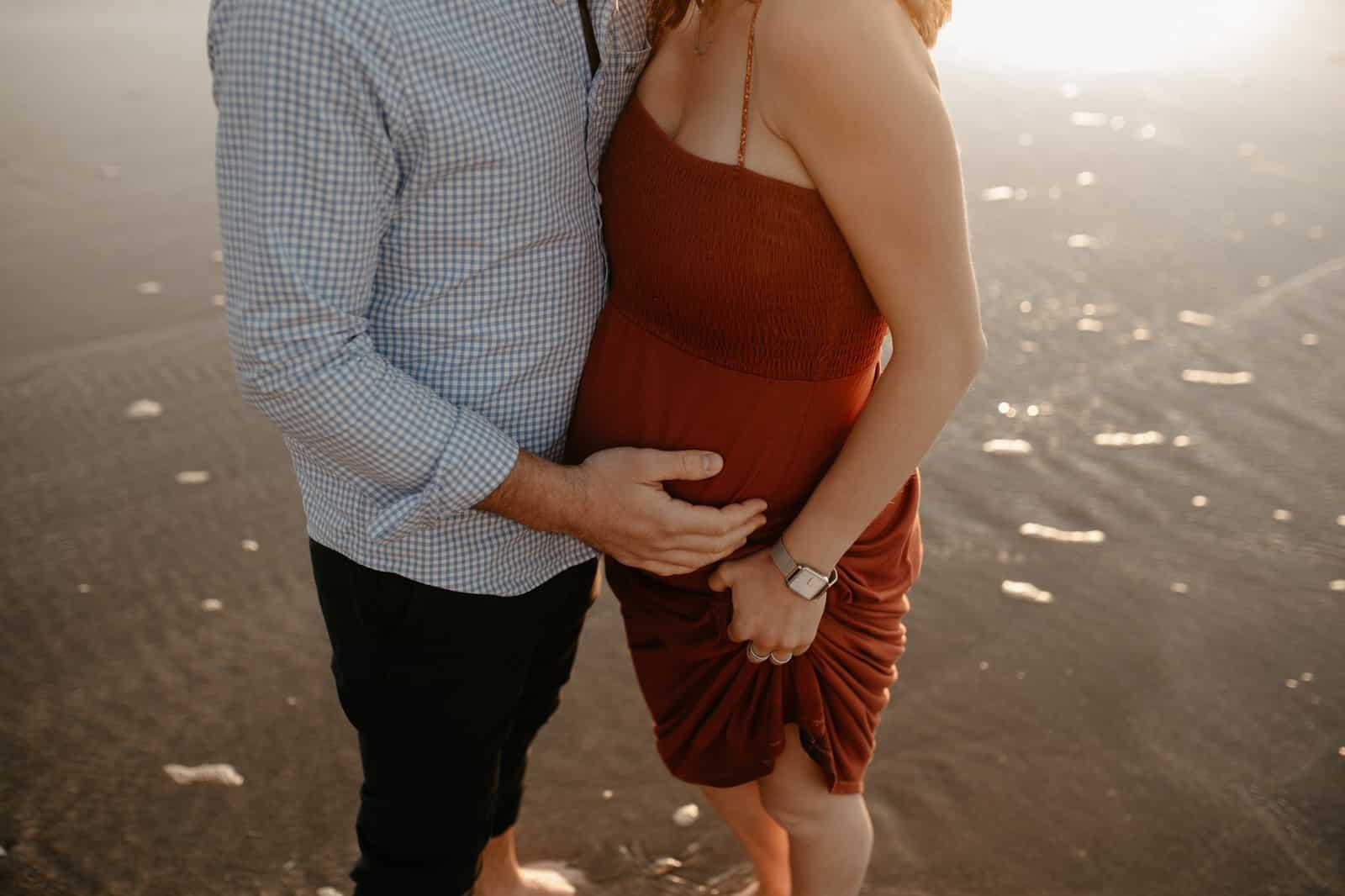 séance photo grossesse enceinte ventre rond plage normandie