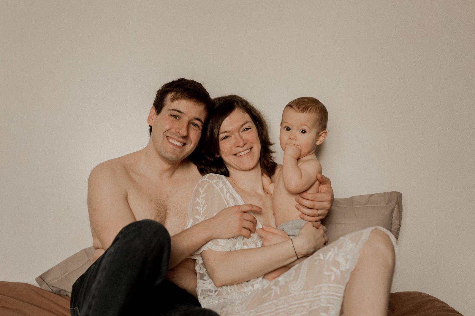 photographe vidéaste photo vidéo allaitement bébé nouveau né à la maison caen calvados
